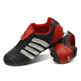 New Design Artificial Leather Professional Broken Nail Football Shoes